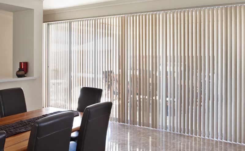 Rèm lá dọc văn phòng chống nắng nóng