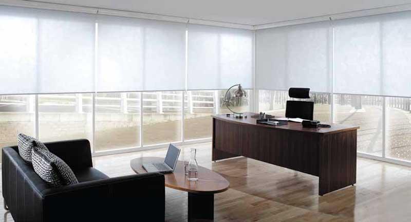 Rèm cuốn văn phòng chống nắng màu trắng