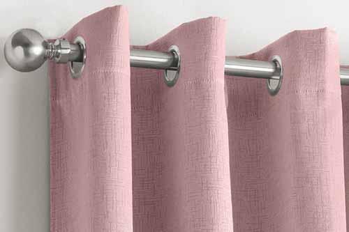 rèm màu hồng phòng bé gái
