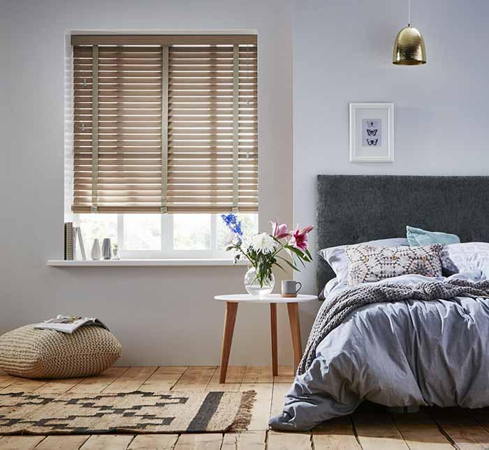 Rèm phòng ngủ gỗ thiên nhiên