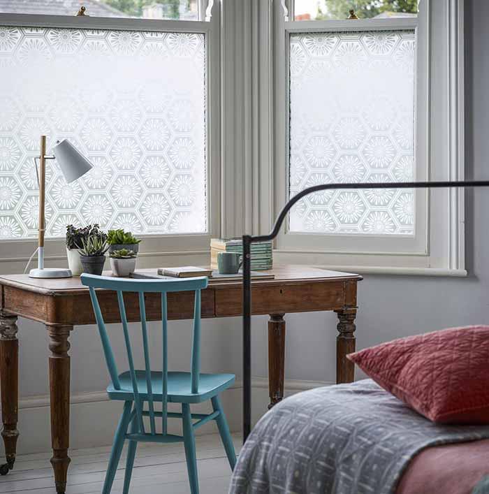 Phim dán kính cửa sổ phòng ngủ