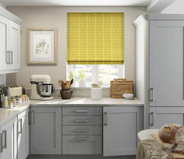 Rèm roman cửa sổ nhà bếp