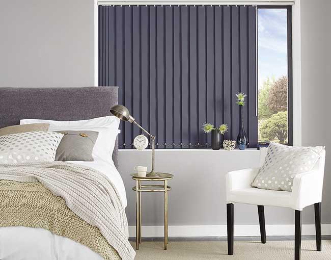 Màn lá dọc phòng ngủ chống sáng